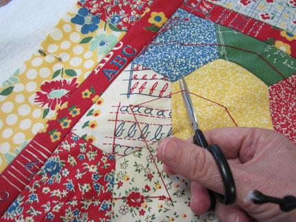 Tie-a-quilt---cut-thread